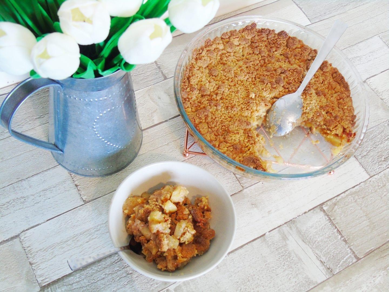 A Classic Cinnamon Apple Crumble Recipe
