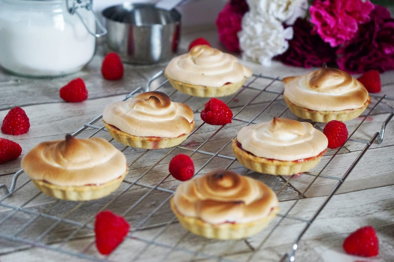 raspberry meringue tartlet